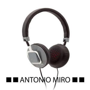 Auriculares Antonio Miró