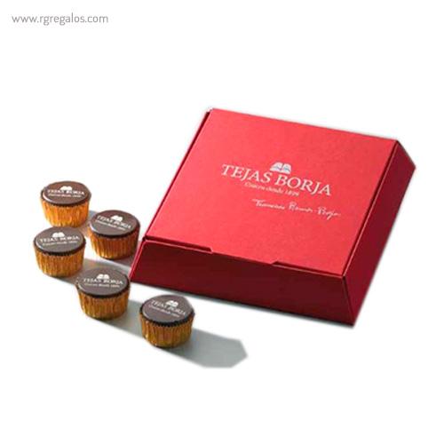 Cajas con bombones personalizados cuadrada - RG regalos publicitarios