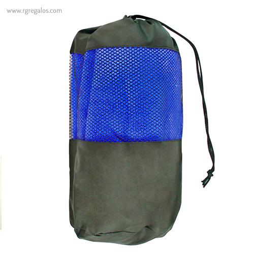 Toalla con bolsa en microfibra azul detalle- RG regalos publicitarios