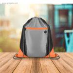 Mochila saco con bolsillo frontal naranja detalle - RG regalos publicitarios